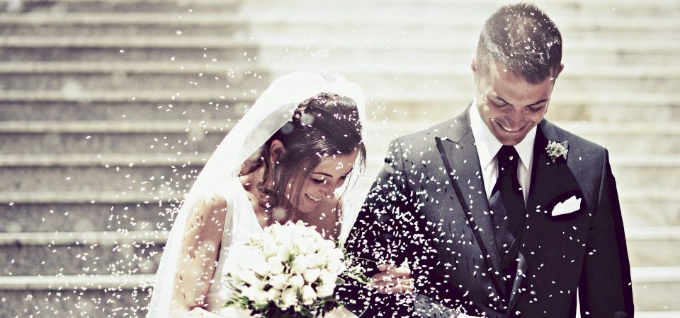 Planning Your Dream Wedding While Staying On Your Budget